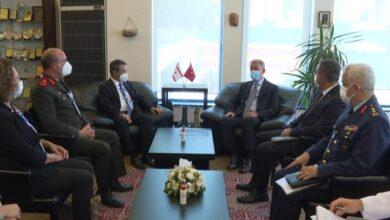 Bakan Akar, KKTC Dışişleri Bakanı ile görüştü