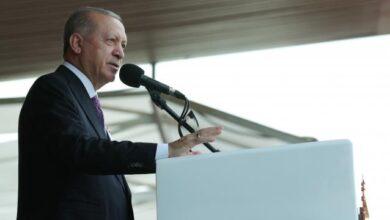 Cumhurbaşkanı Erdoğan: FETÖ ile irtibatlı 21 bin TSK mensubunun ordumuzla ilişiğini kestik
